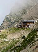 Приют Нид д' Эгле, 2417 м