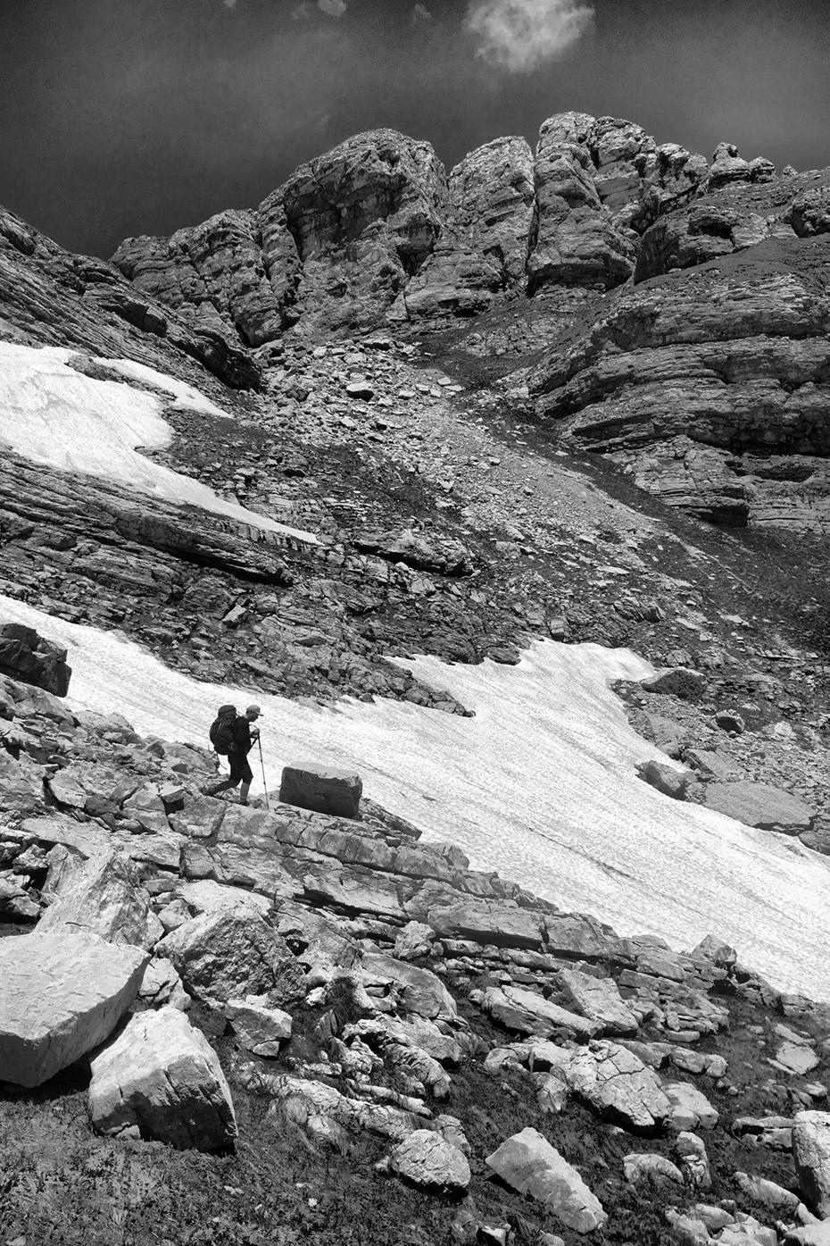 Спуск вдоль Красных скал