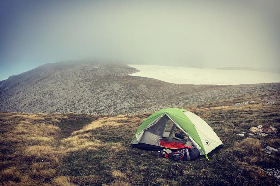 Наша палатка на вершинном плато Пшеха-Су